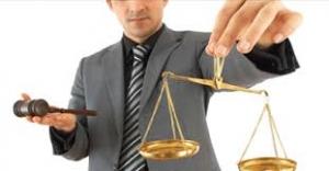 طرفین دعوی در مراجع کیفری و حقوقی حق انتخاب چند وکیل را دارند؟